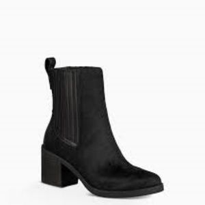 UGG CAMDEN EXOTIC BOOTS 9.5